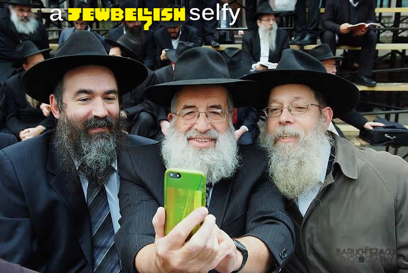 chabad-selfie